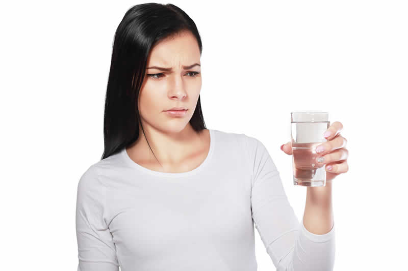 Nước sau lọc có mùi báo hiệu cần thay lõi