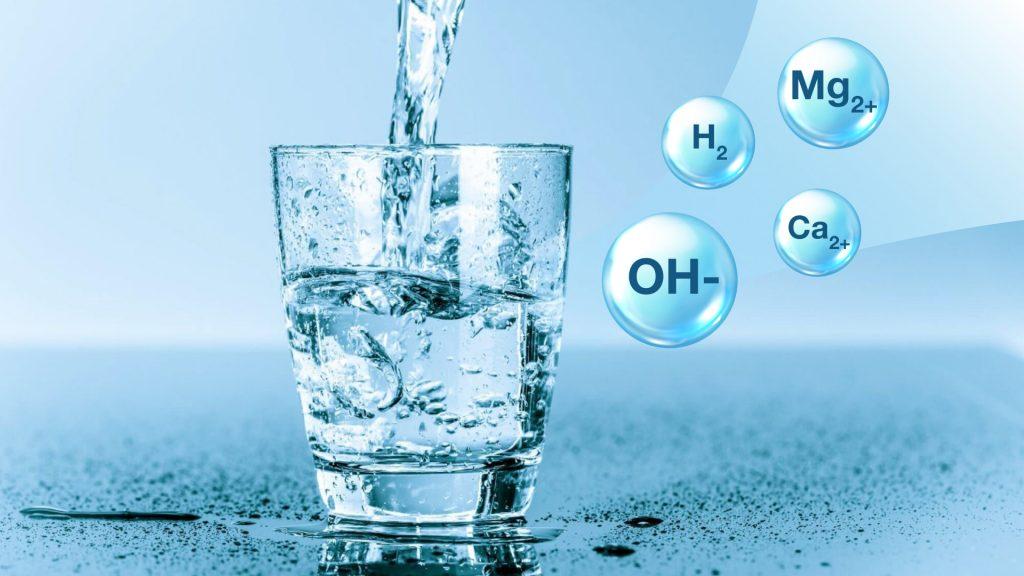 Máy lọc nước ion kiềm tạo ra nước giàu khoáng chất