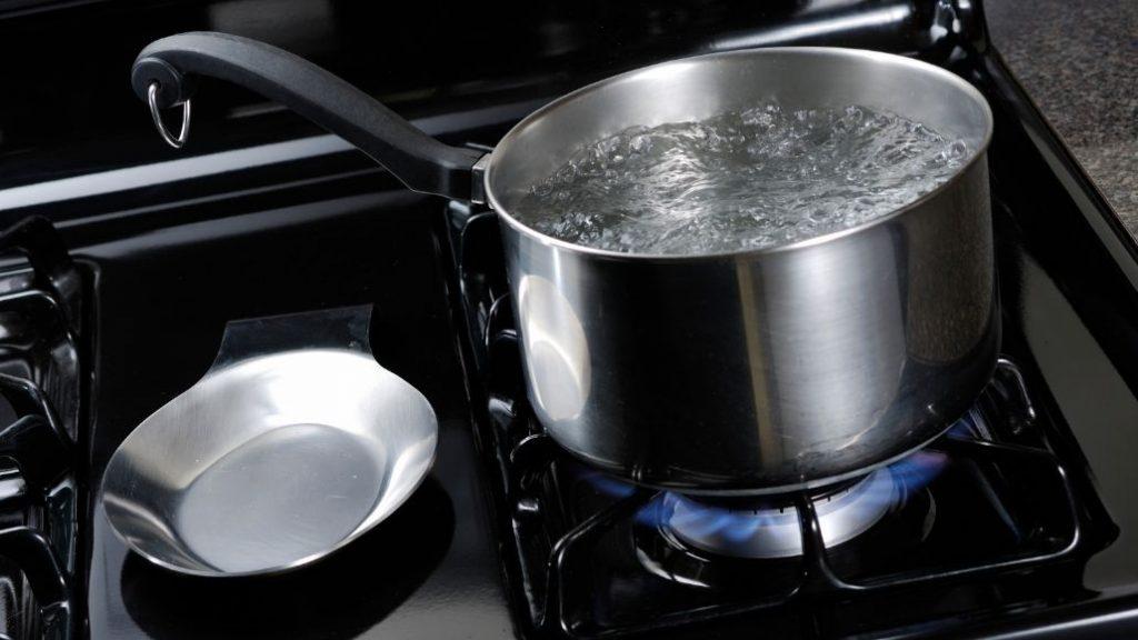 Có nên đun sôi nước ion kiềm?